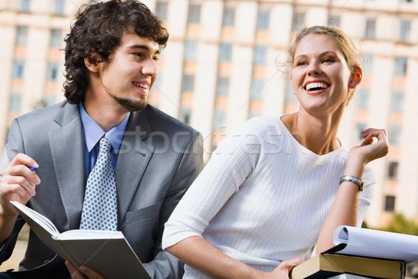 Diákok megbeszélés boldog üzlet nő diák Stock fotó © pressmaster