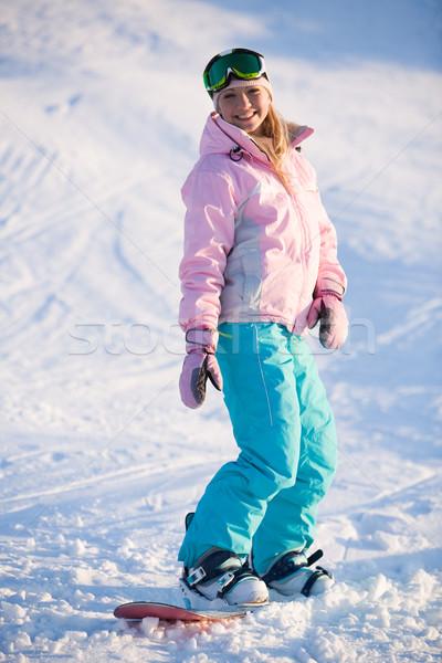 ストックフォト: 少女 · スノーボード · 画像 · 幸せな女の子 · 冬 · リゾート