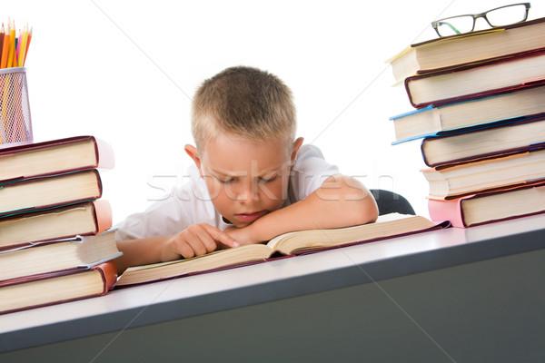 Pracowity smart młodzieży czytania otwarta księga poważny Zdjęcia stock © pressmaster