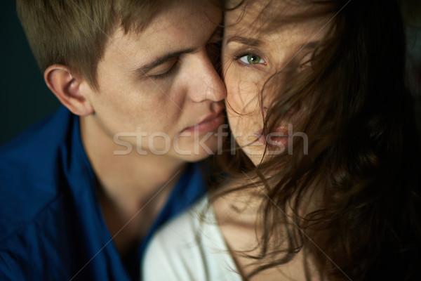 Intimitás fiatal nő néz kamera kedvesem nő Stock fotó © pressmaster