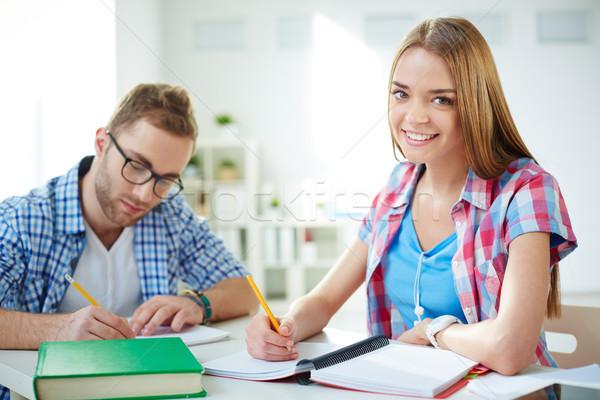 Zdjęcia stock: Zajęty · studentów · smart · dziewczyna · patrząc · kamery
