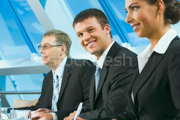 üzleti csoport ül asztal hallgat üzlet nők Stock fotó © pressmaster