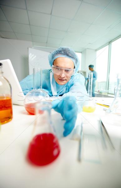 Foto stock: Brazo · grave · nuevos · sustancia · laboratorio