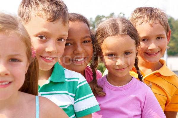 Niños en edad preescolar retrato inteligentes pie mirando Foto stock © pressmaster