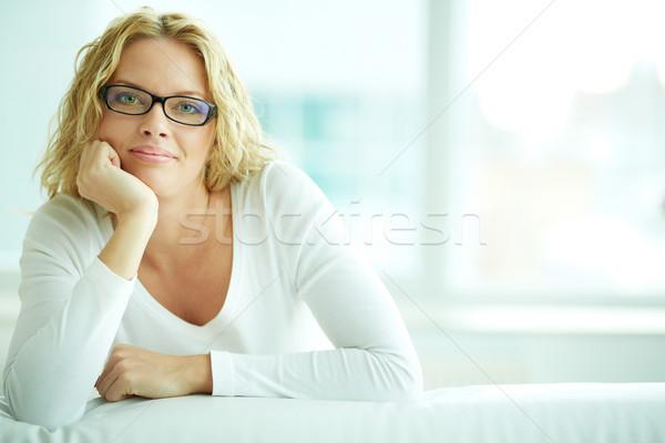 Kobiet okulary portret kobieta patrząc kamery Zdjęcia stock © pressmaster