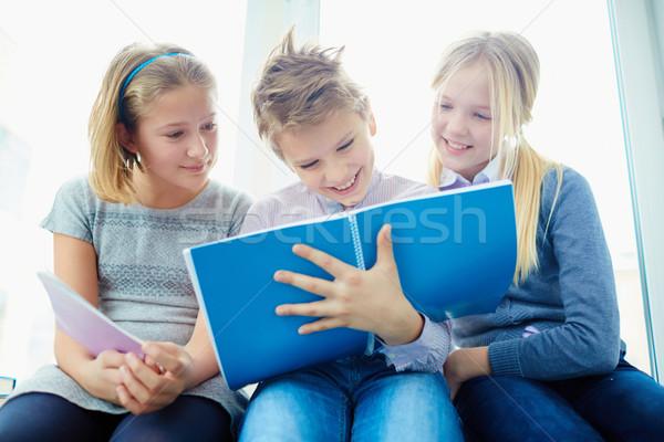 レッスン 肖像 3  幸せ クラスメート 見える ストックフォト © pressmaster
