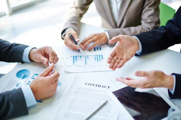Onderhandelingen afbeelding handen business objecten Stockfoto © pressmaster