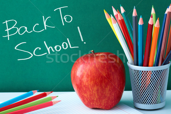 Stock fotó: Színes · ceruzák · alma · közelkép · nagy · piros · alma