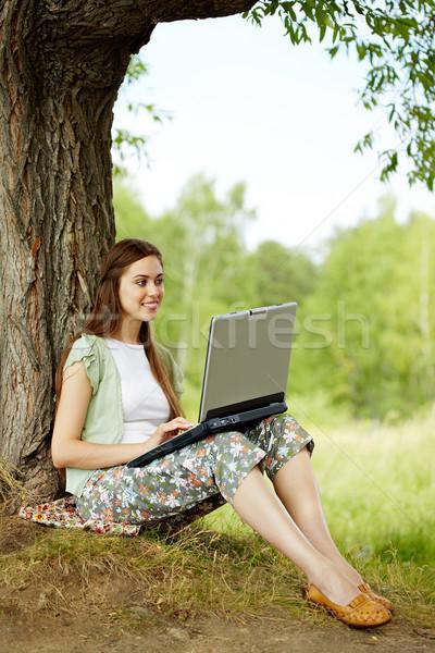 Draadloze connectiviteit afbeelding mooie vrouwelijke vergadering Stockfoto © pressmaster