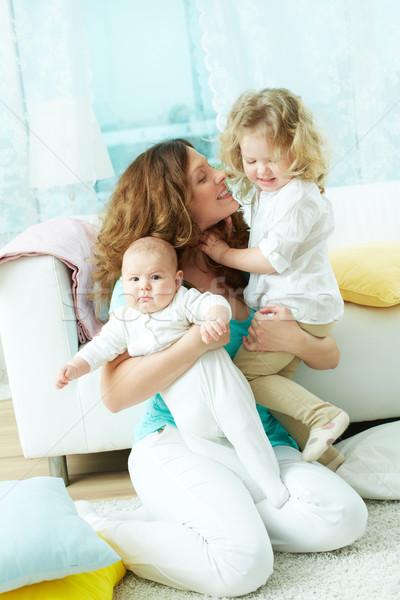 Famiglia felice vita verticale ritratto tre home Foto d'archivio © pressmaster