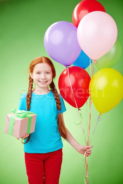 рождения празднования довольно девушки шаров глядя Сток-фото © pressmaster