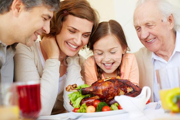 Fome retrato alegre pessoas olhando Foto stock © pressmaster