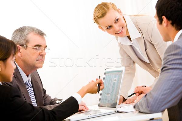 Trabalhando equipe imagem pessoas de negócios reunião Foto stock © pressmaster