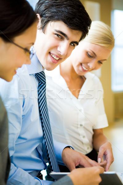 Exitoso empleador inteligentes líder mirando cámara Foto stock © pressmaster