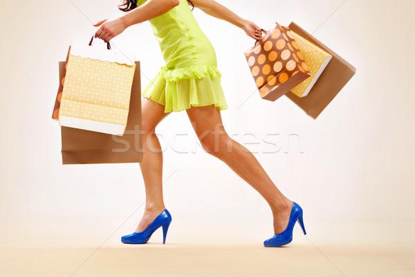 Stok fotoğraf: Alışveriş · bacaklar · bayan · renkli · hareket