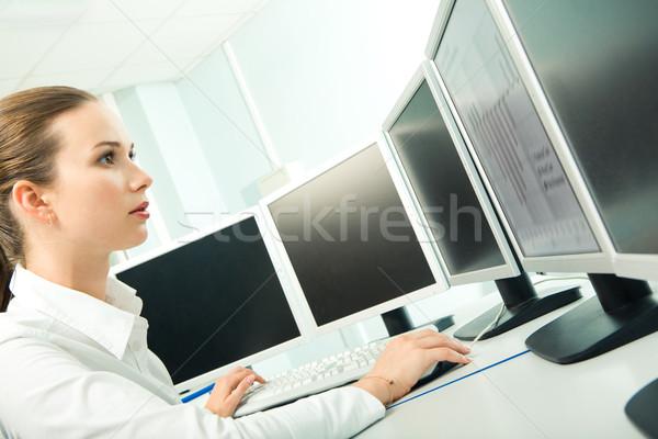 Számítógép munka profil női néz képernyő Stock fotó © pressmaster
