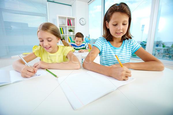Photo stock: Filles · leçon · portrait · écolières · dessin · travail