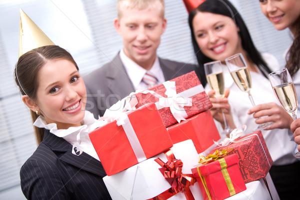Как дарить подарки на работе 477
