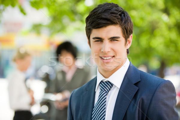 Zdjęcia stock: Młodych · biznesmen · portret · przystojny · uśmiechnięty · kamery