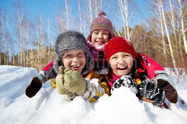 Crianças neve feliz crianças risonho jogar Foto stock © pressmaster