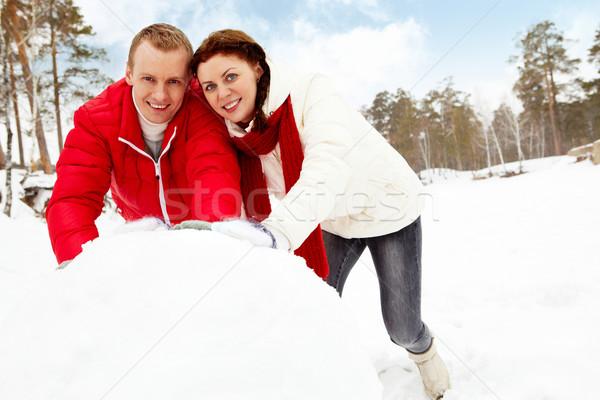 Pupazzo di neve ritratto felice Coppia inverno Foto d'archivio © pressmaster