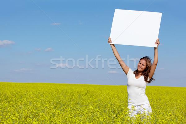 ストックフォト: メッセージ · 肖像 · 少女 · 白紙 · 立って
