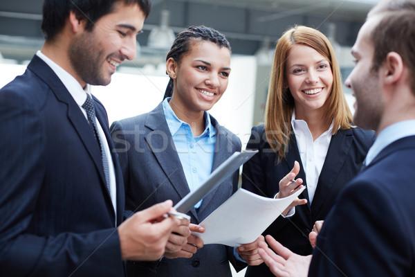 Onderhandelingen groep onderhandelen business vrouw Stockfoto © pressmaster