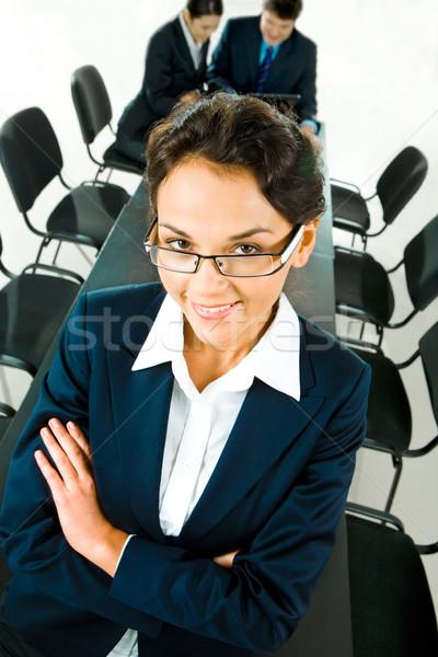 Intellettuale ritratto donna d'affari braccia due donne ufficio Foto d'archivio © pressmaster