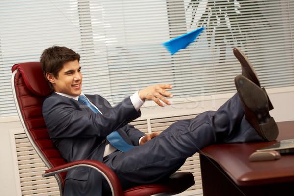 ストックフォト: 平面 · 再生 · スマート · ビジネスマン · 座って · アームチェア