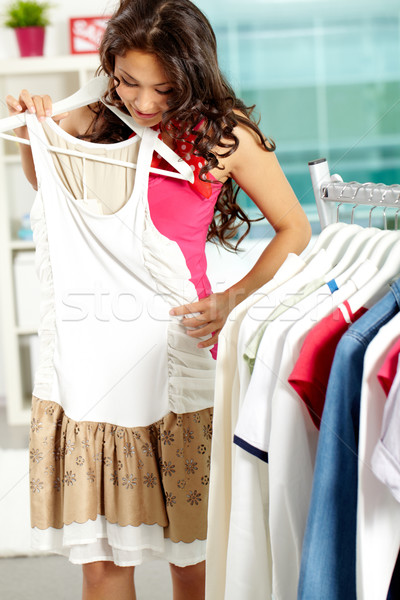 Foto stock: Novo · vestir · retrato · mulher · bonita · roupa · departamento