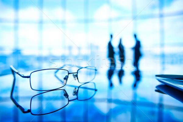 Stock fotó: Szemüveg · kép · munkahely · tükröződés · üzletemberek · áll