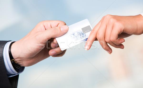 Transakcja transfer karty kredytowej działalności ceny Zdjęcia stock © pressmaster