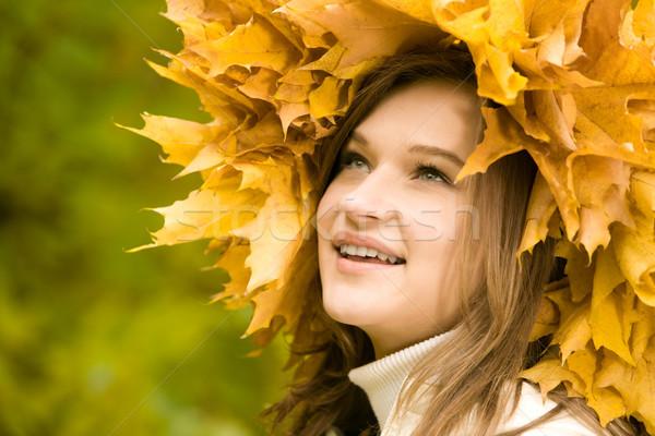 Foto d'archivio: Tempo · immagine · ragazza · ghirlanda · foglie