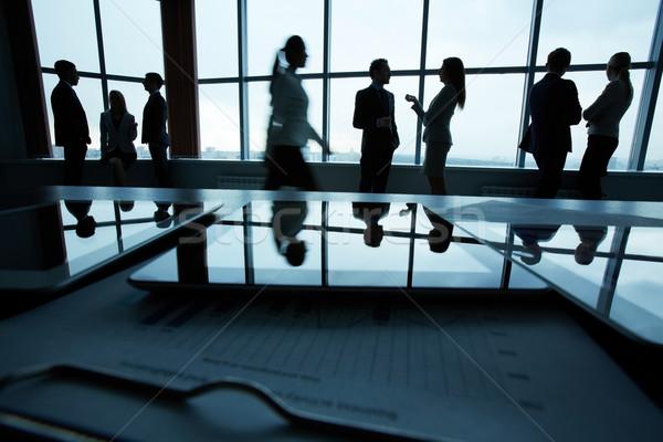 деловые люди служба несколько служащих окна Сток-фото © pressmaster
