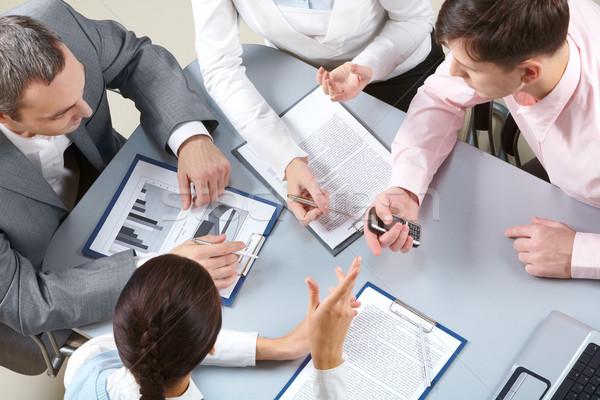 új projekt négy üzletasszonyok ül asztal Stock fotó © pressmaster