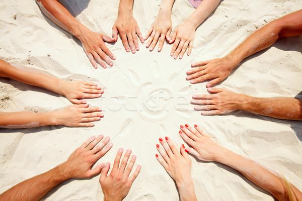 Zomer cirkel handen zand zon Stockfoto © pressmaster