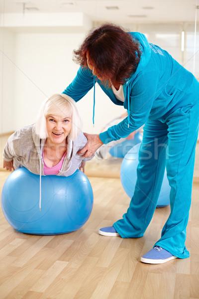 Stock fotó: Testmozgás · labda · boldog · nő · testmozgás · fitnessz