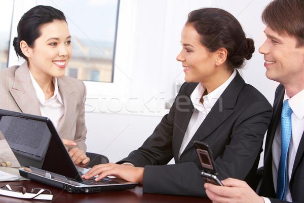 Foto stock: Entrevista · conversación · tres · oficina · negocios