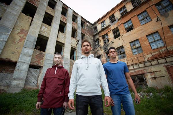 Rossz srácok portré veszélyes utca épület Stock fotó © pressmaster