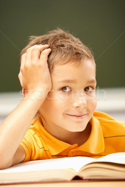 Giovanile lettore ritratto Smart lad guardando Foto d'archivio © pressmaster