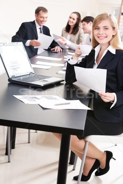 スペシャリスト 作業 写真 小さな 従業員 座って ストックフォト © pressmaster