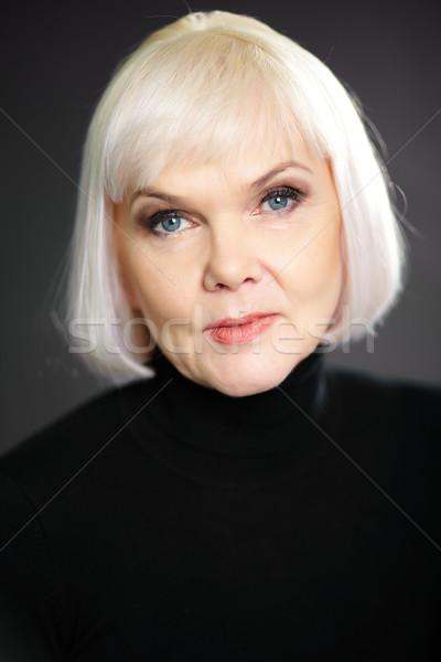 Kellemes nő portré érett elegáns hölgy néz Stock fotó © pressmaster