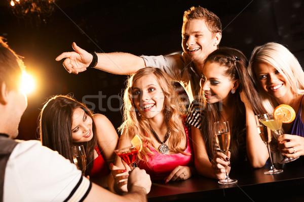 Stockfoto: Tieners · foto · blijde · vrienden · bar