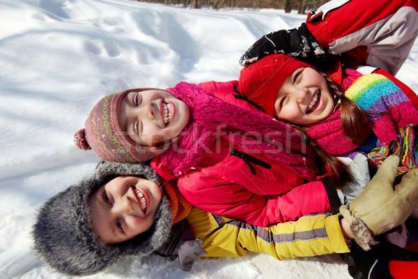 Arkadaş mutlu arkadaşlar bakıyor kamera Stok fotoğraf © pressmaster