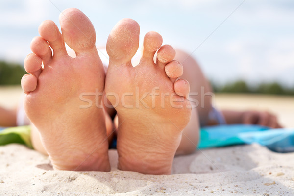 Blootsvoets vrouwelijke strand vrijheid Stockfoto © pressmaster