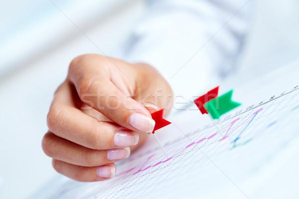 Travail stratégie Homme main graphe d'affaires Photo stock © pressmaster