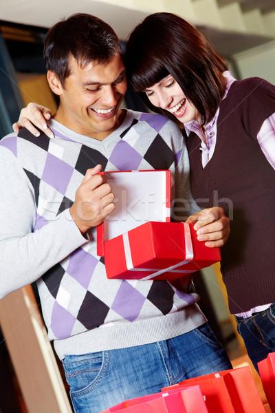 Keyifli an mutlu kız yakışıklı adam bakıyor açmak Stok fotoğraf © pressmaster