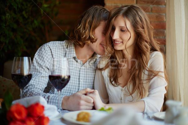 Flertar retrato amoroso restaurante Foto stock © pressmaster