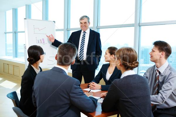 Podział doświadczenie smart szef wskazując Zdjęcia stock © pressmaster