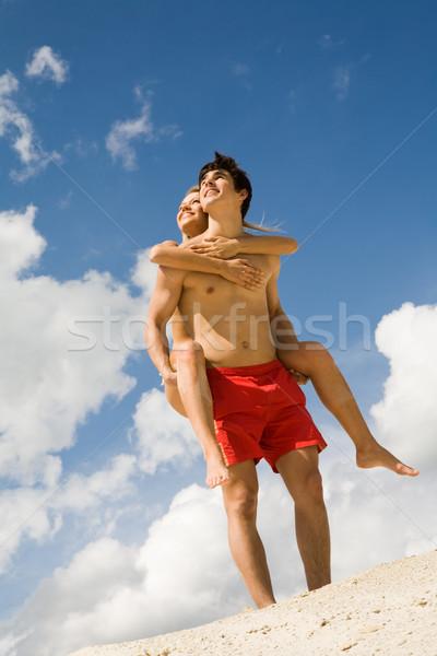 Op de rug foto gelukkig jongen mooie meisje Stockfoto © pressmaster